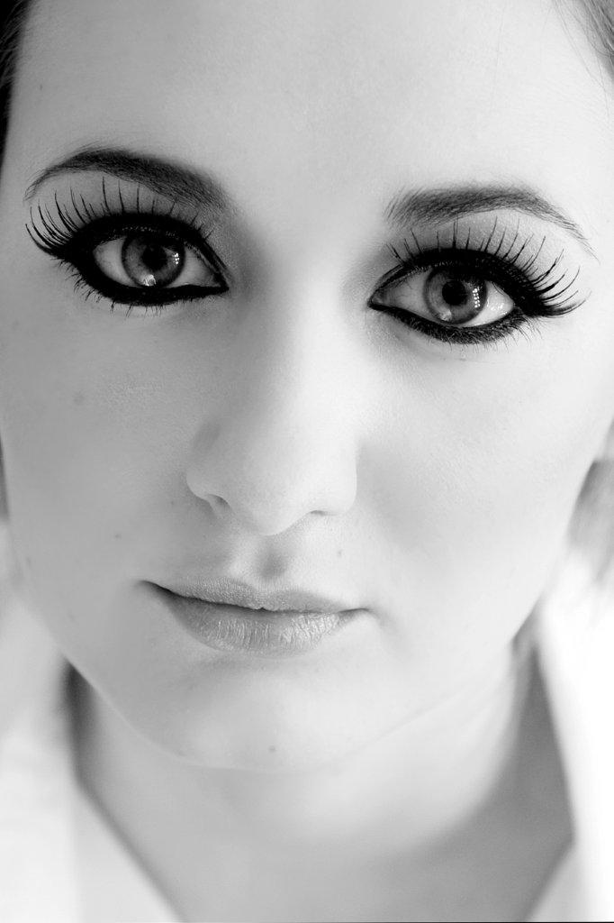 Cat eye makeup by Tina Brocklebank. Photography by Tracy Conway-Smith